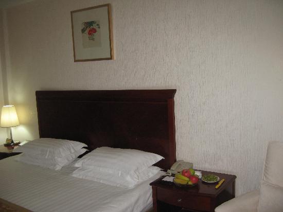 Xizhimen Guest House : 大床