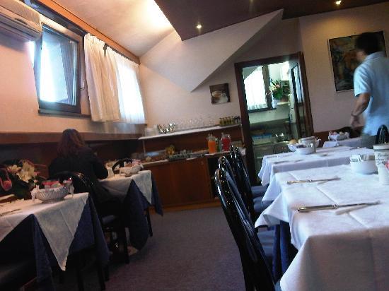 Albergo Delle Alpi : Canteen to have breakfast