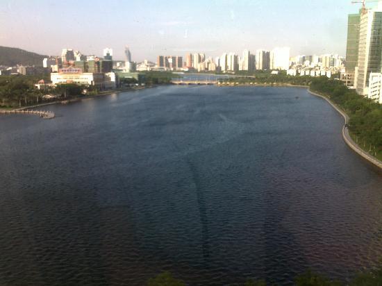 Bailuzhou Lake View Hotel: 房间俯瞰的湖景