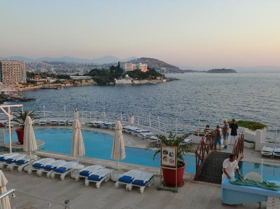 Korumar Hotel De Luxe: 爱琴海边的明珠