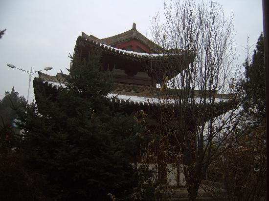 Cishan Temple: 碑亭2
