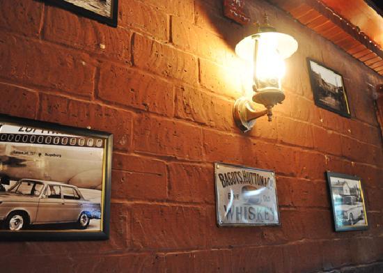 Haikou, China: 巴巴罗萨酒吧一角