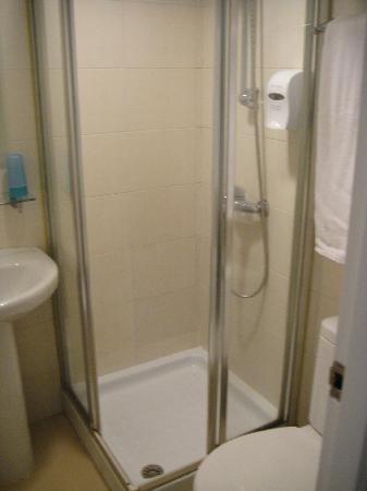 กู้ดริช โฮเต็ล: 卫生间