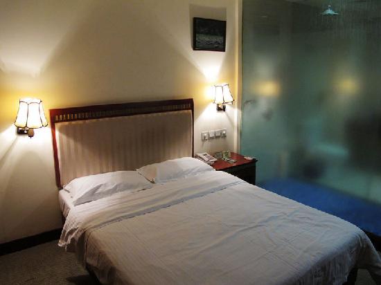 Shun He Hotel
