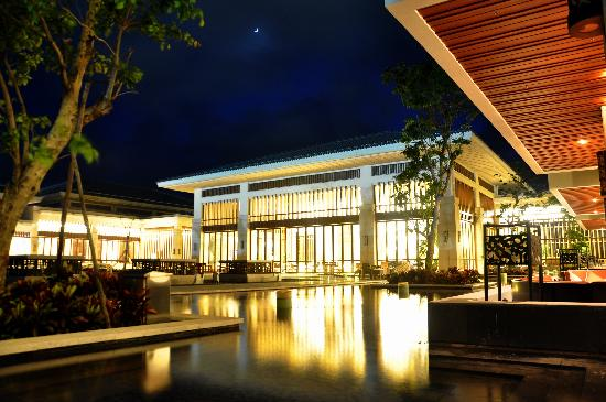 Boao State Guesthouse: 客房出来的一个角度,我发现的,估计酒店里都没那么漂亮的照片