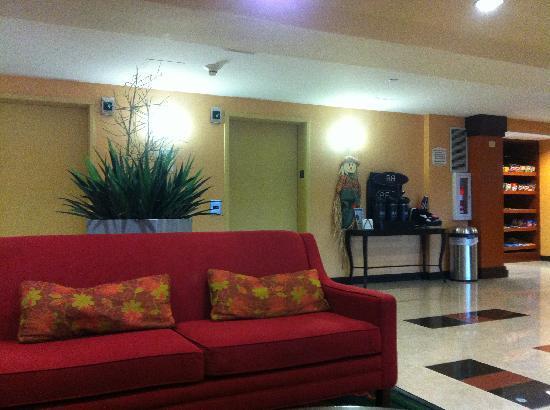 Quality Inn Revere: lobby