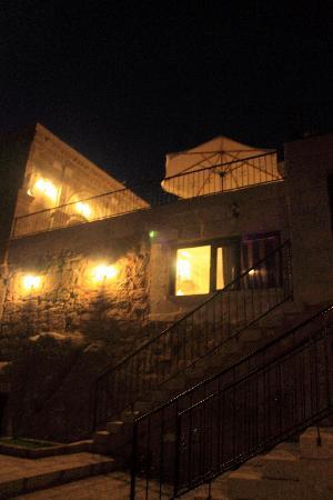 Akyol Hotel: 室外