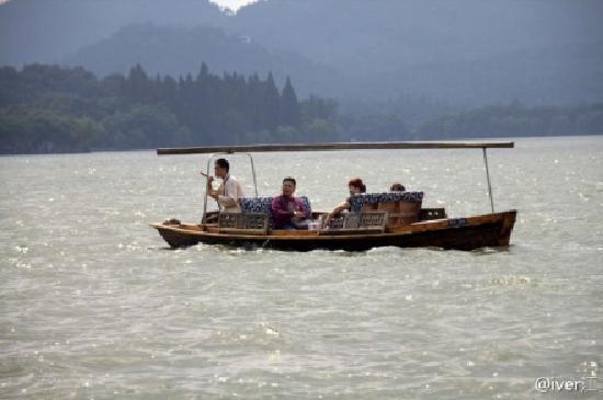 West Lake (Xi Hu): 西湖泛舟