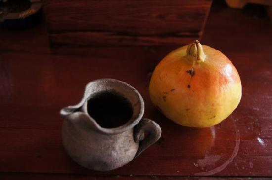 Lvye An Jia: 小瓦罐和大石榴