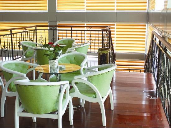 Jinlan Business Hotel: 咖啡厅