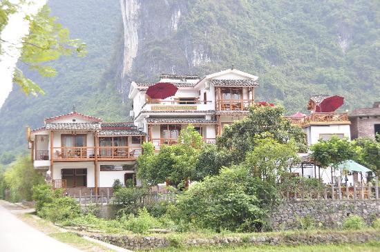 Yangshuo Phoenix Pagoda Fonglou Retreat: 酒店外观