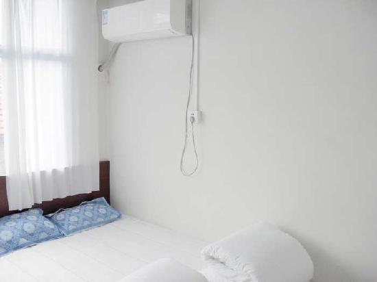 Haifeng Yujiale Inn: 2011051323220798875