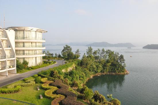 Tachee Island Holiday Hotel Qiandaohu : 酒店远景
