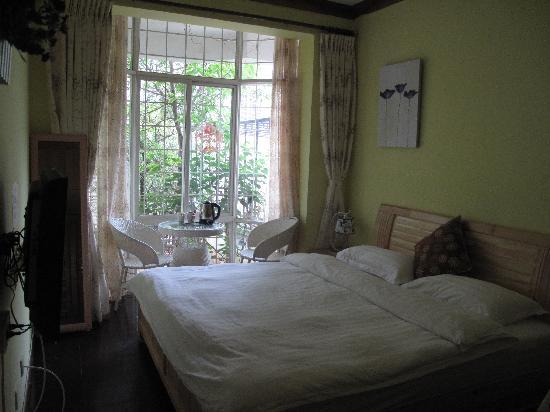 Lvye Holiday Villa Inn Kunming : 一楼夜来香房