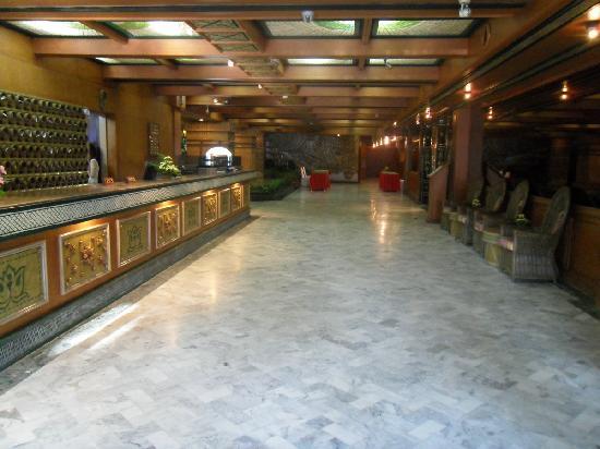 Pearl Hotel: 酒店大堂