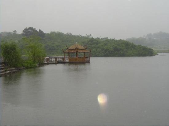 Yiming Villa : 逸鸣山庄