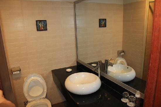 Jinkaixuan Hotel: 洗手间