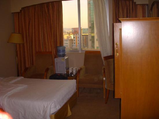 Xiong Bao Hotel: 变得狭小的客房空间