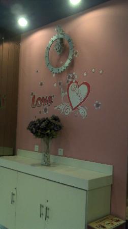 Hanting Hi Inn Harbin Convention Center : 大堂入口处温馨问候区