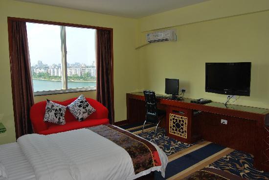 Longsheng Hotel: 豪华电脑双间