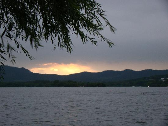 West Lake (Xi Hu): C:\fakepath\DSC03417