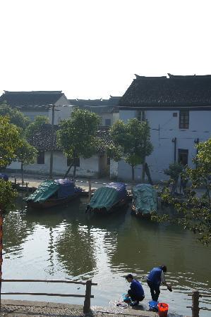 Qin Inn Kunshan Yese Jiangnan: 打开窗户看到的
