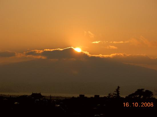 Qian's Hostel: 在客栈天台观看日出