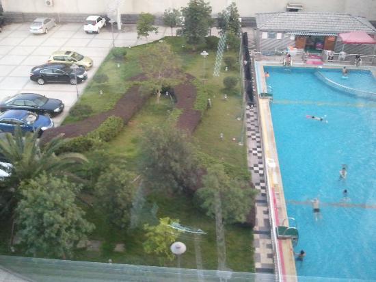Jinyun Sunny Hotel: 游泳池