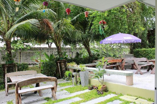 Chaba Suvarnabhumi Airport: 酒店后花园