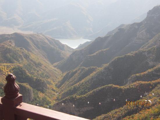 Mount Hengshan Scenic Spot: 俯瞰水库