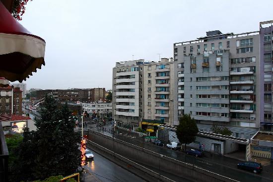 这是在France Hotel的阳台上