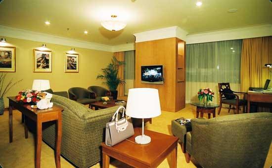 Blue Horizon Hotel (Qingdao Huangdao): 金港套房