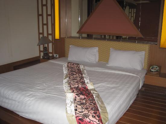 Photo of Ratchada Resort and Spa Hotel Bangkok