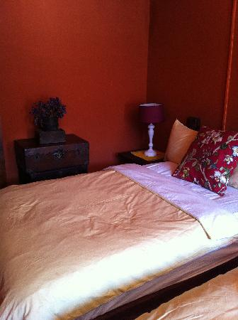 Huifeng Inn Shuhe: 比五星级酒店的床还要舒服哦!听说是羽绒的!