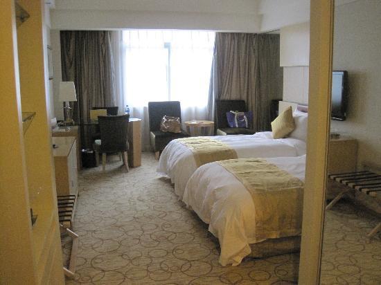 Kolam Gloria Plaza Hotel Hefei : C:\fakepath\IMG_0483