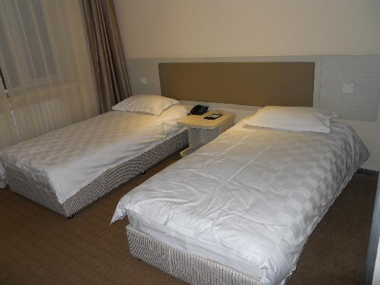 Motel 168 Harbin Hongqi Main Street: 双床房