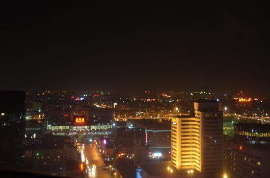 Kai Wah Plaza International Hotel: 再来张夜景