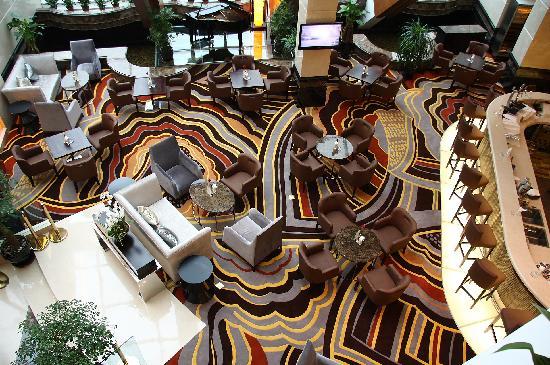 Ramada Plaza Shanghai Pudong Airport: 酒店大堂