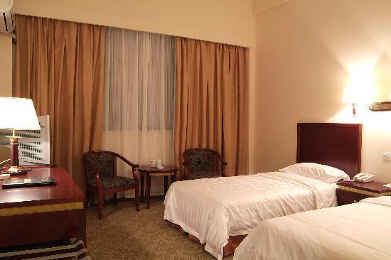 Yilian Hotel