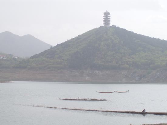 Jinhai Lake Resort: 湖中央的塔