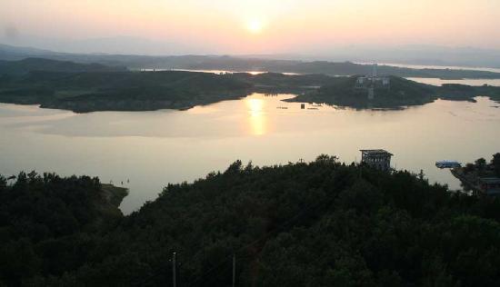 Zhaoping Lake