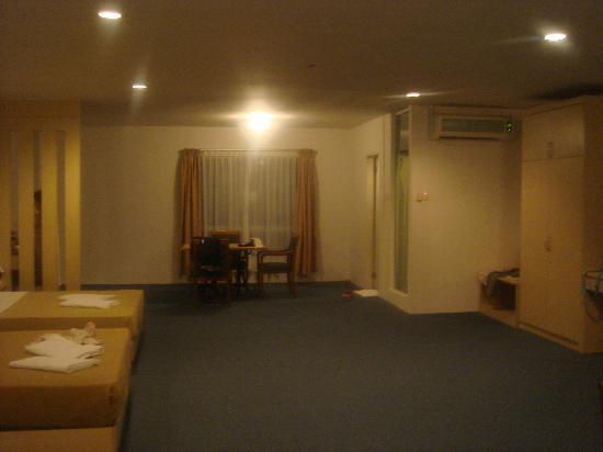 Promenade Hotel Apartments: DSC08461