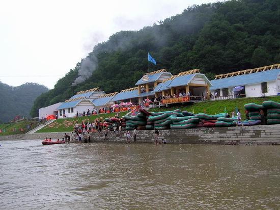 Qingyuan County, Kina: 红河谷漂流终点处