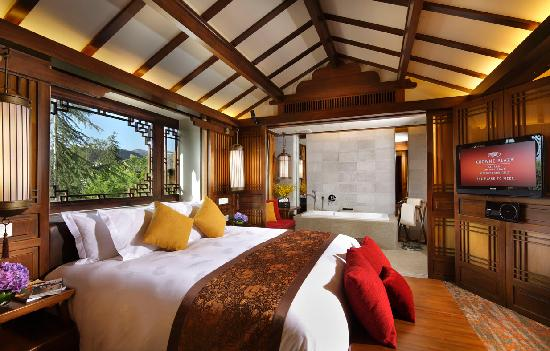 InterContinental Lijiang Ancient Town Resort: Deluxe Room 豪华房