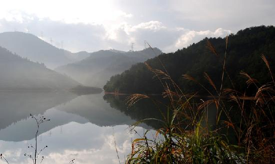 Pan'an County, China: 同福寺附近风景之一