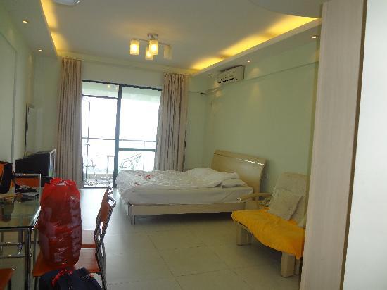 Romantic Seaview Apartment Sanya Lanhai Garden: 卧室