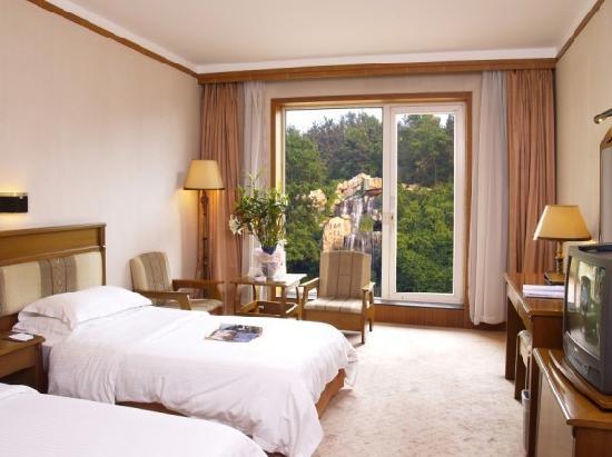 Zhongxia Hotel: 园林观景露台房