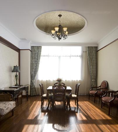 Jinyindao Hotel: 客房休闲区域