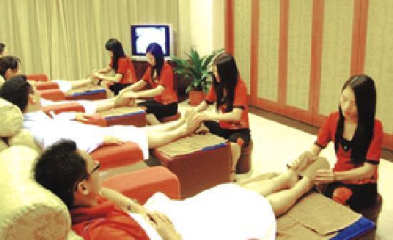 Yifeng Hotel: 逸丰康乐休闲中心