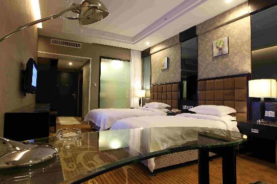 Royal Logoon Hotel: getlstd_property_photo